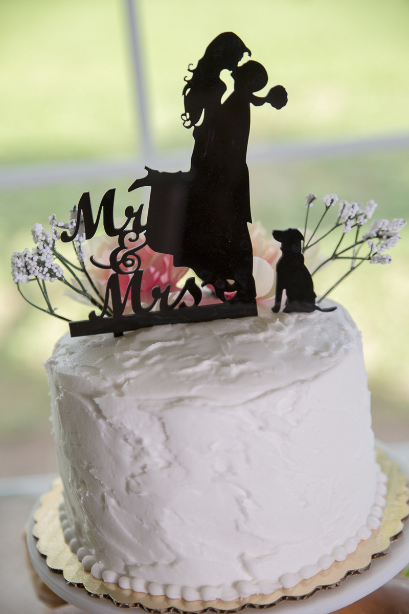 adorable cake topper for dog lovers | ©Rheanna Lynn Photography, wedding dog