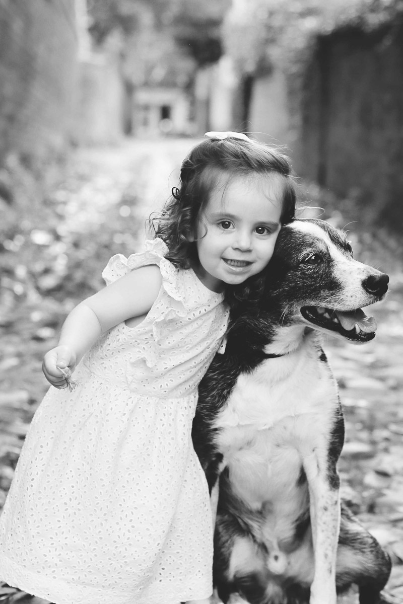 little girl and her dog, ©Helena Woods child photography