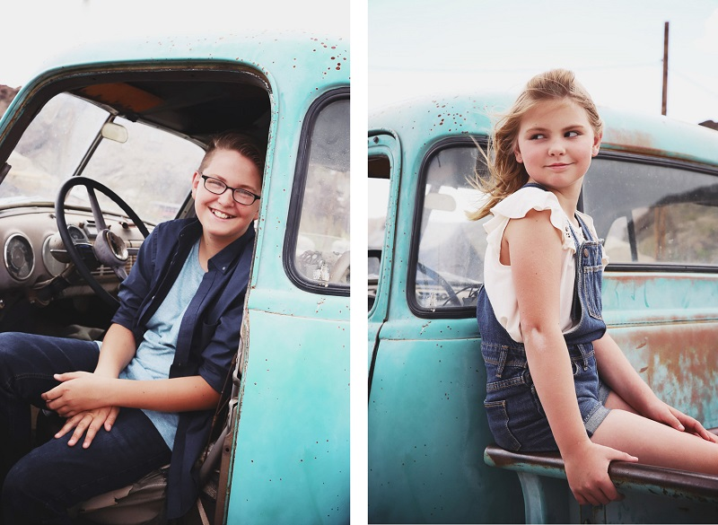 ideas for family photos with vintage truck, ©Sarah Jay Photography