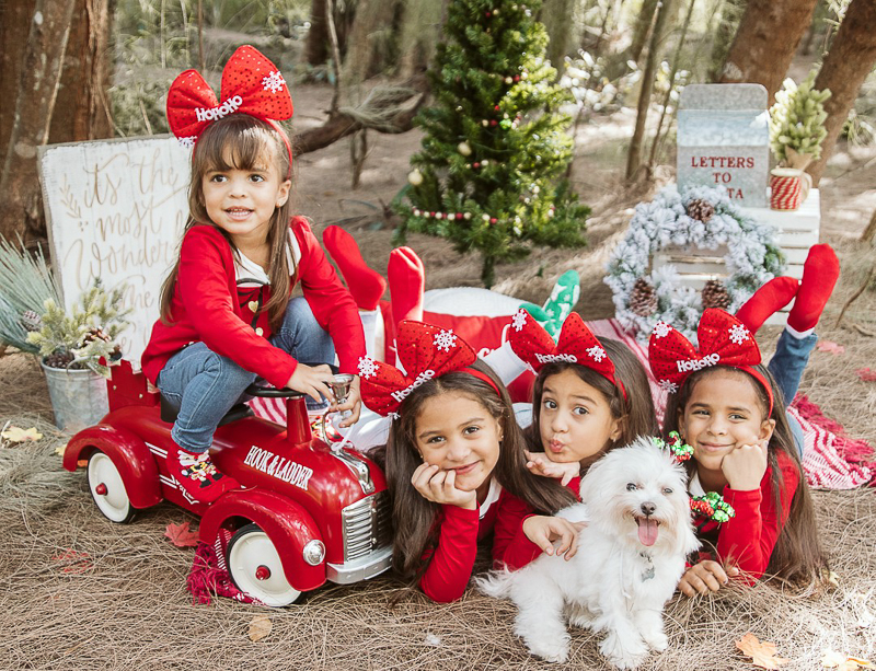 dog-friendly holiday photos, kids and dogs, ©Stephany Barboza Photography, Miami Florida