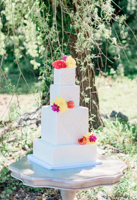 wedding cake for Boho styled photo session | ©Landrum Photography