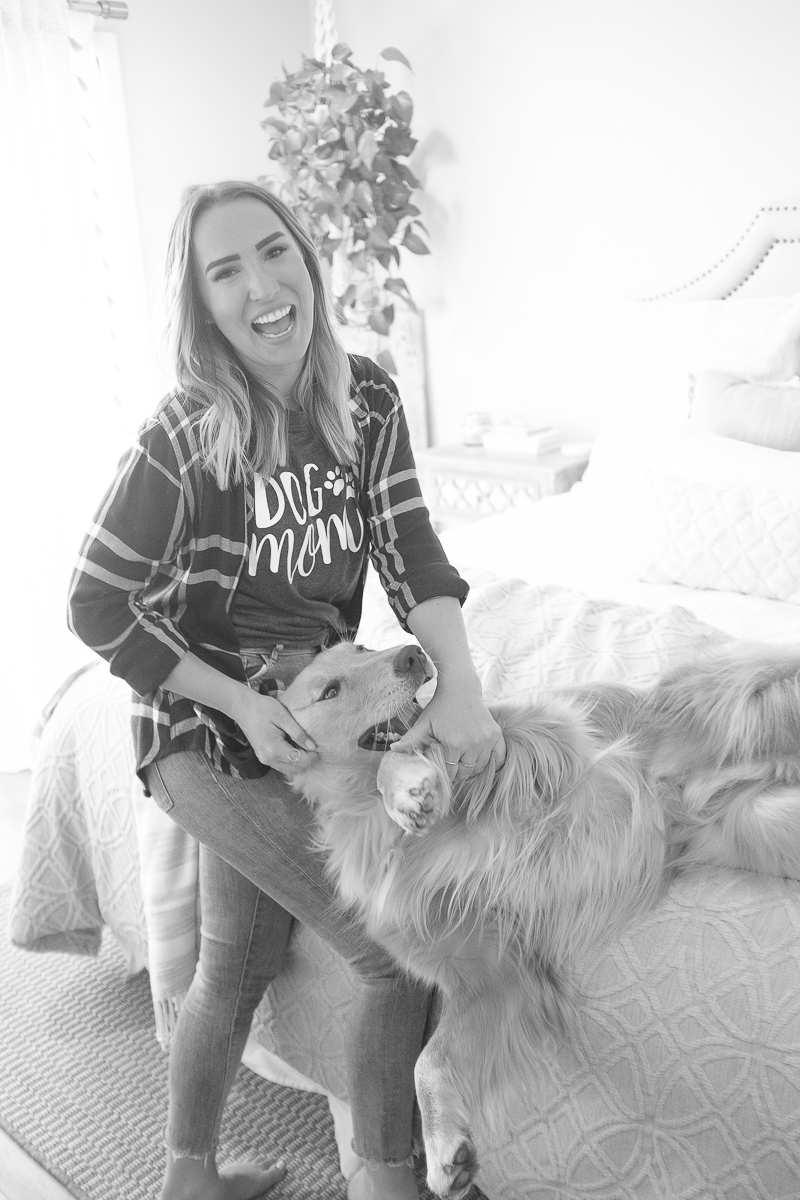 woman and her dog | ©Nicole Caldwell Photo | dog-friendly in home photography ideas