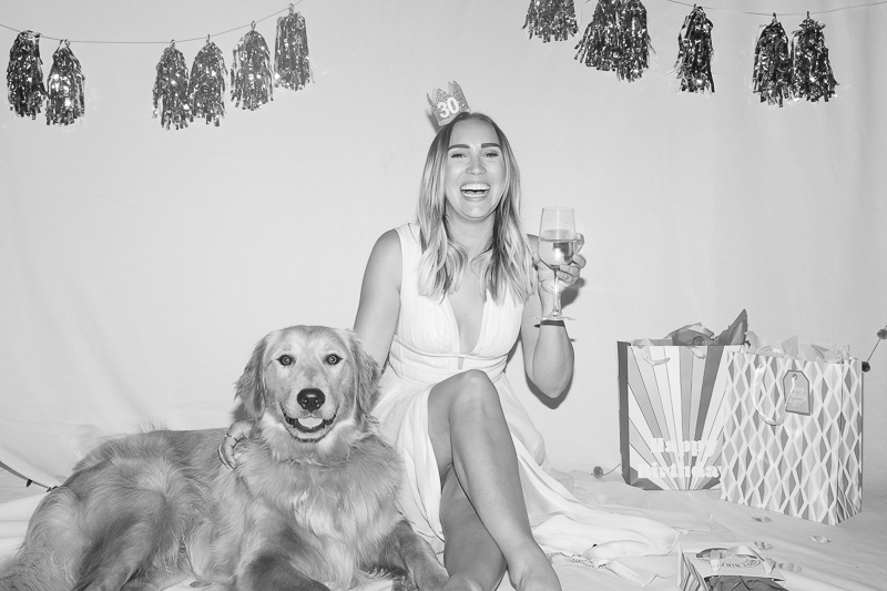woman celebrating 30th birthday, | ©Nicole Caldwell Photo | dog-friendly in-home portrait session