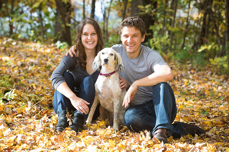 white Llewellin Setter and her family, ©Cat Cutillo Photography | dog-friendly engagement ideas