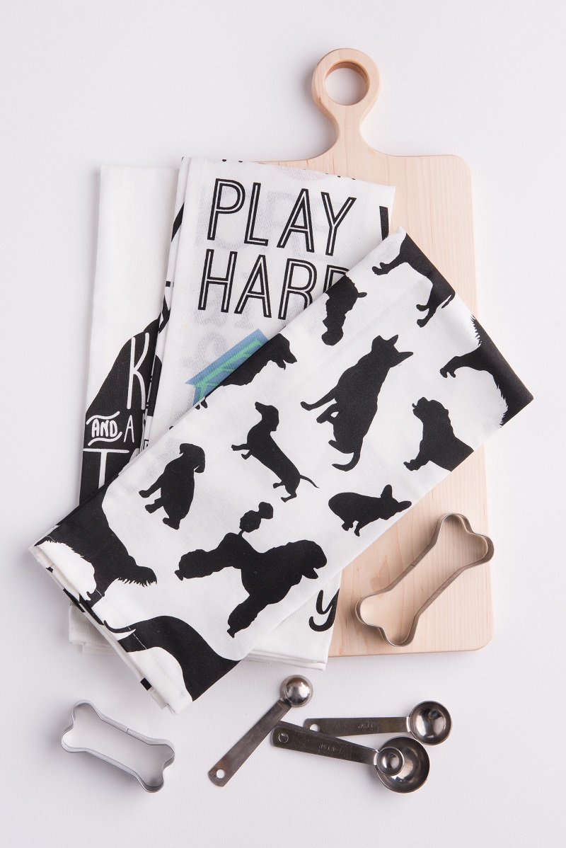 dog-themed dish towels, gift ideas for dog moms