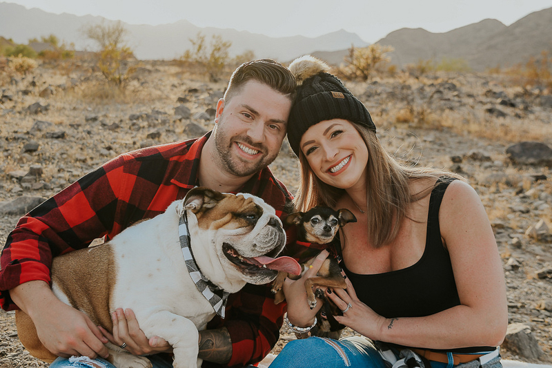 couple with their dogs in the desert, © Ali Tso Photography, dog-friendly lifestyle photography ideas