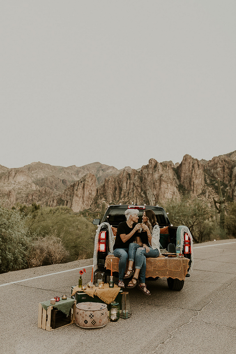 picnic in a truck, engagement photography ideas | ©Kali M Photos