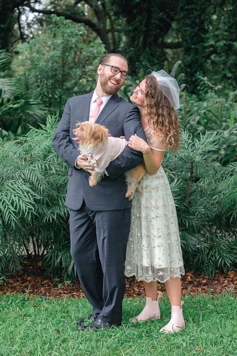 dog-friendly wedding, Hampton Park, Charleston |©Charleston Photo Art