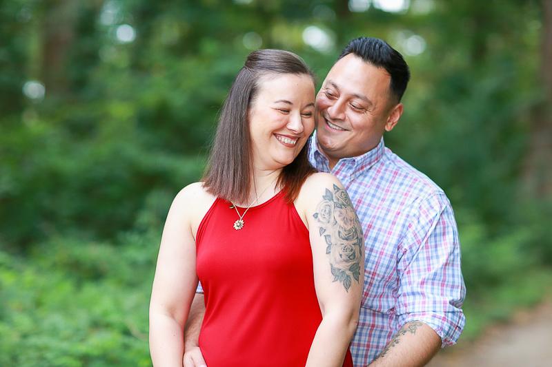 romantic Virginia Beach engagement portraits | ©Fresh Look Photography