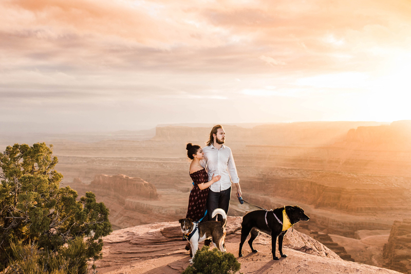couple and their dogs on rock overlook, Utah adventure photography ©Sheena Shahangian Photography