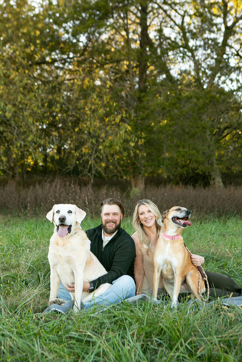 fall dog-friendly family portraits   ©Mandy Whitley Photography