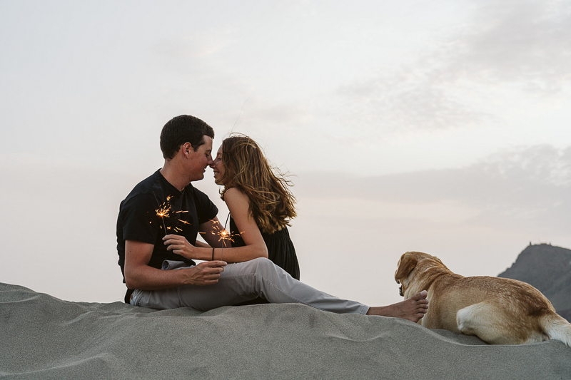 dog-friendly lifestyle session Cabo de Gata, Spain | ©Blancorazon Weddings